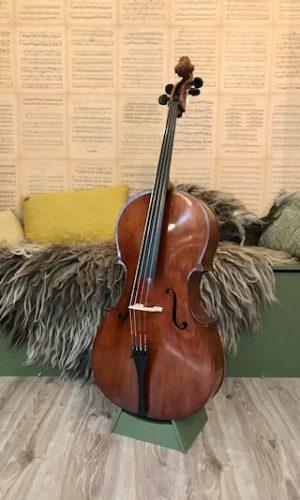 Duitse cello te koop rond 1960